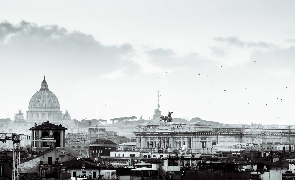 Black-and-white-skyline-rome.jpg