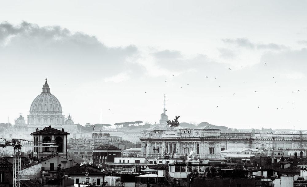 Black-and-white-skyline-rome.jpg