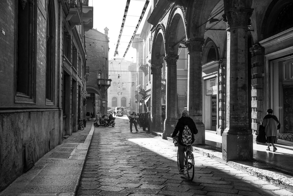 Italy-Bologna-black-and-white.jpg
