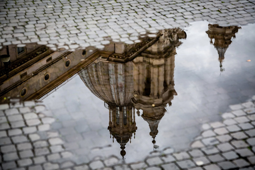 Rome-reflected-in-water.jpg