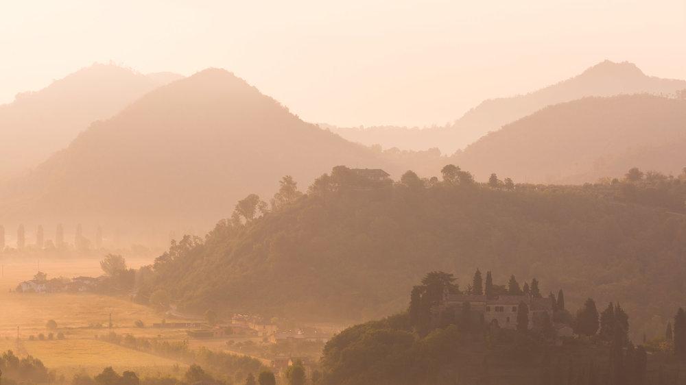 Sunrise-over-italian-hills.jpg