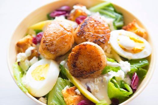 salad and scallops.jpeg