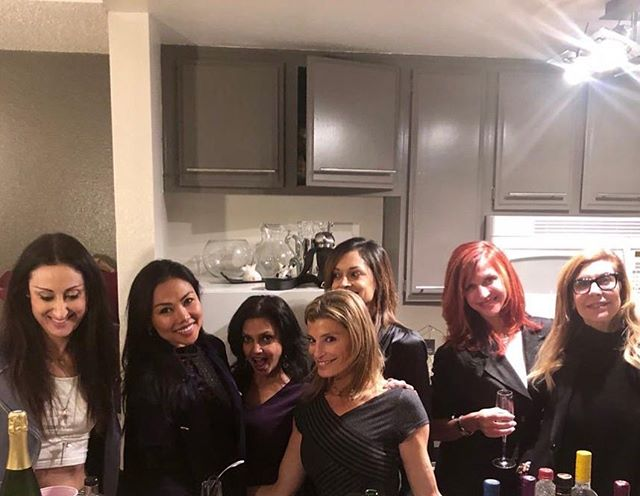 Such a fun evening with truly amazing women! I'm so blessed to have all of you in my life ❤️. It's so important to surround yourself with positivity 🙌🏼 . I had a very small pre- housewarming party with my girls! We had grilled veggies, a big beautiful salad, sushi and 🥂But the evening ended up really being about close friends catching up! .  Having close friendships in your life is so important for your overall health and well being. Always make time for your friends 🙌🏼❤️ . Missed you @kimberleeoren @sunessis @sharonazgour 😘