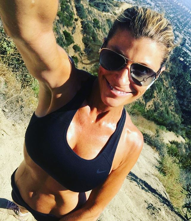 Im so excited that it was  finally warm  and sunny ☀️ on my mid morning hike today! Best way to start the day 🌸🌳🐕🏃🏻‍♀️! . I'll be at my office until 9pm tonight so I could enjoy hiking in my new backyard first! I love ❤️ the flexibility of having a private practice. . What is your favorite way to start the day?