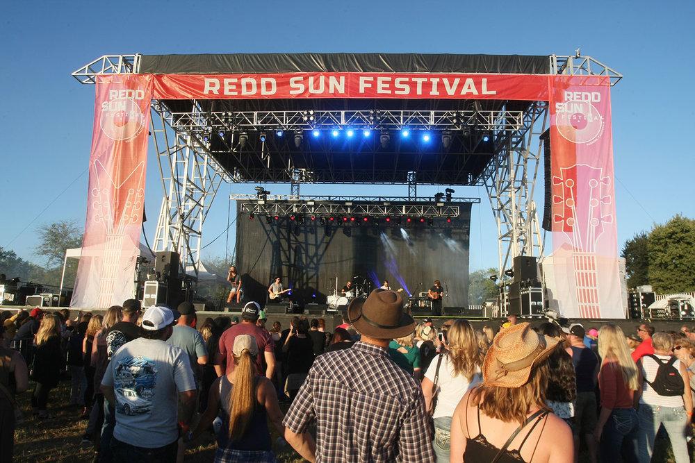 Redd-Sun-Country-057.jpg