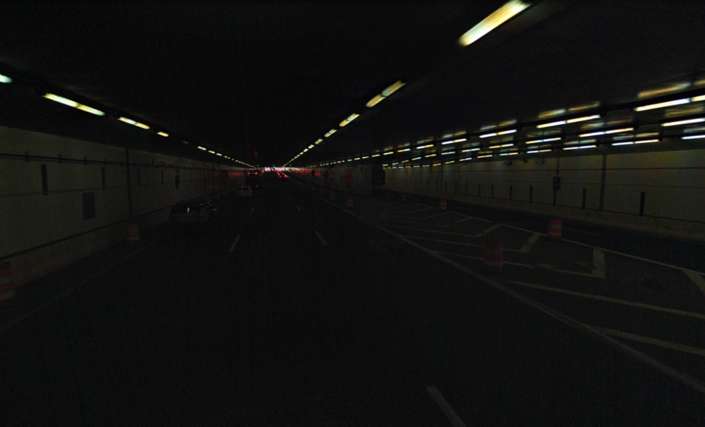 Darkness in the center of the tunnel. Photo:   Google Streetview  /Fair Use