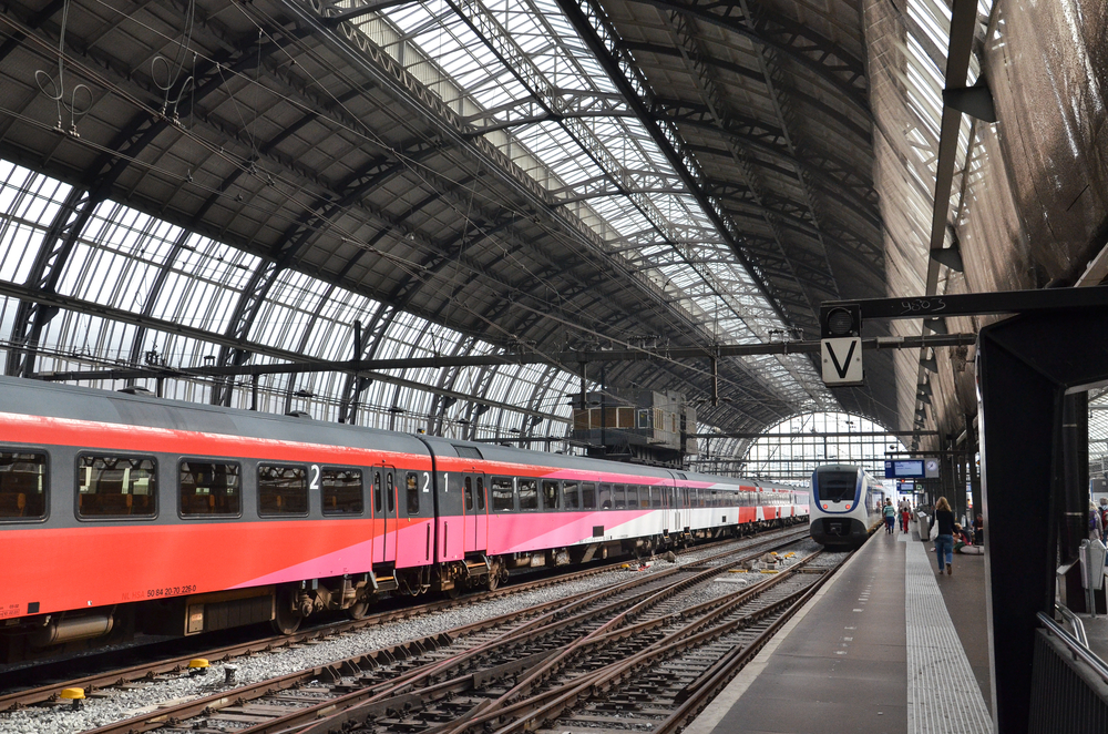Train-Stration.jpg