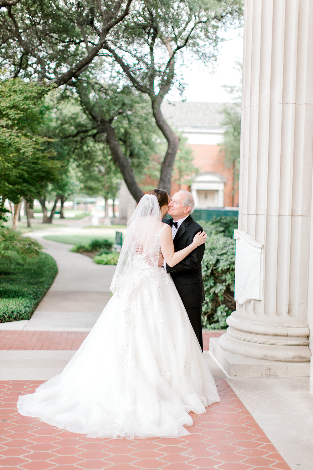 Dallas Wedding Planner - Father Daughter First Look.jpg