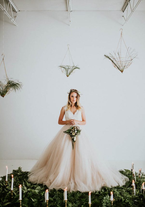 we-guarantee-youll-get-butterflies-over-this-dreamy-emerald-wedding-inspiration-20-600x853.jpg