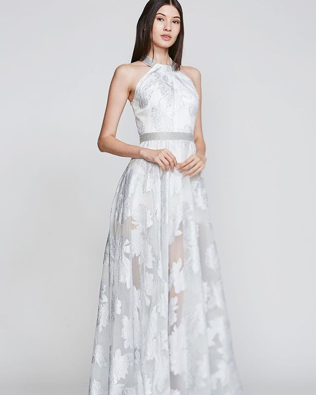 Hope you all enjoyed our sample sale last week! It was nice meeting so many of you! If you are not already on our email list, please email us at Pr@carmenmarcvalvo.com for future sample sales!  #carmenmarcvalvo