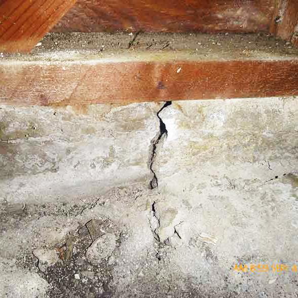 concrete-crack-perimeter-foundation.jpg
