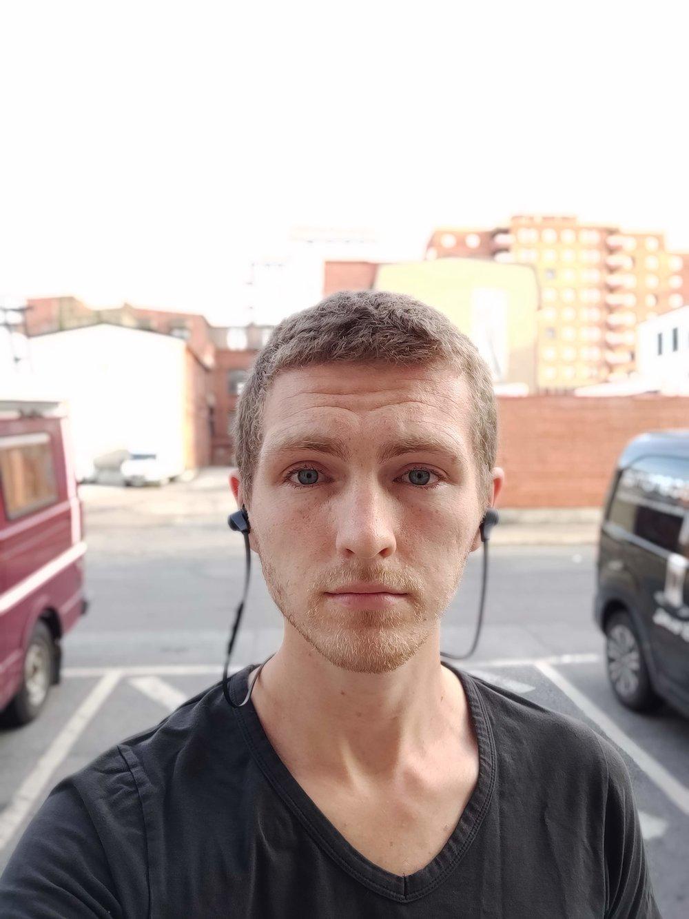 OnePlus bokeh selfie.jpg