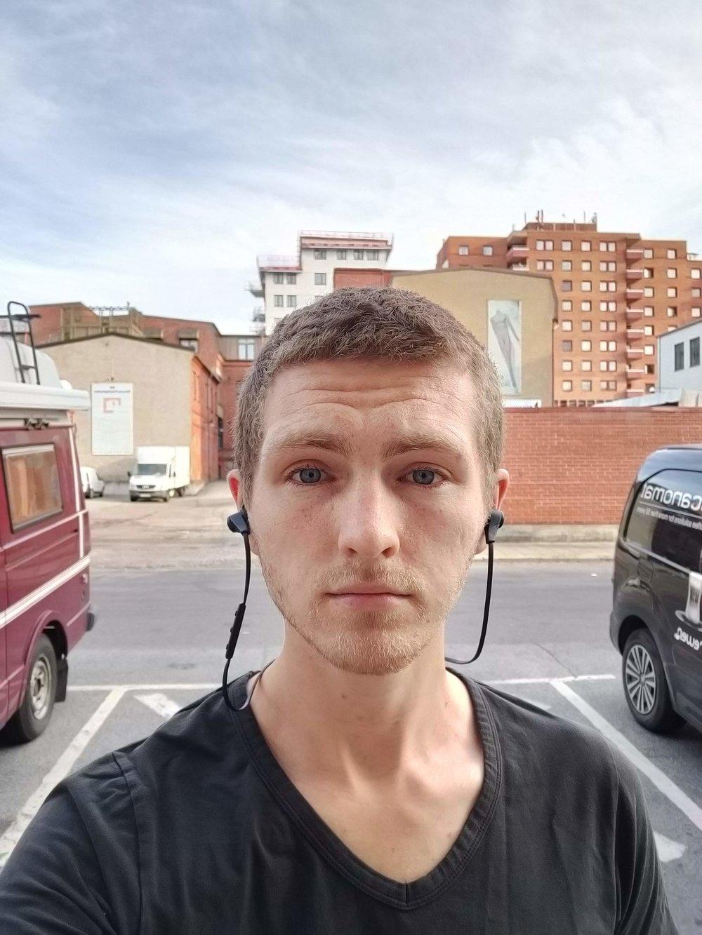 OnePlus selfie.jpg