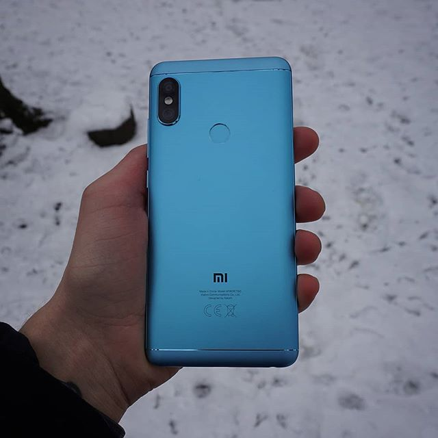 Happy New Years! 🎉 My Review of the Xiaomi Redmi Note 5 is live on my web page now in both English and Swedish. Check it out in the link in the bio 🔗 #review #instatech #xiaomi #redminote5 #test #indepth