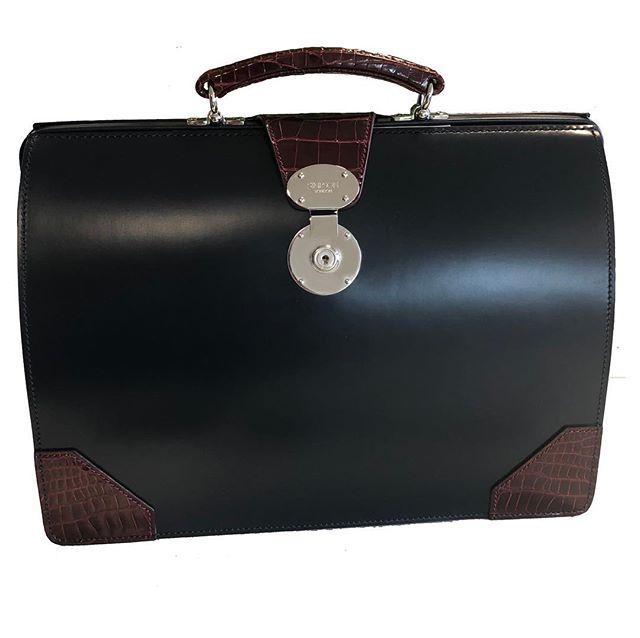 SImpson-Briefcase.jpg