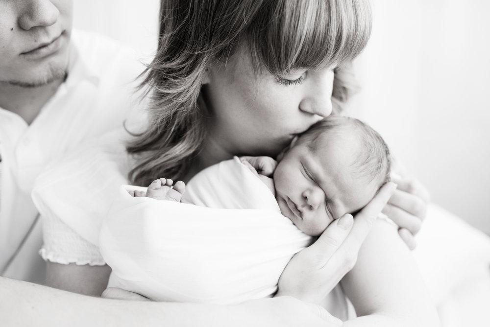 odotuskuvaus vauvakuvaus perhekuvaus hämeenlinna hattula