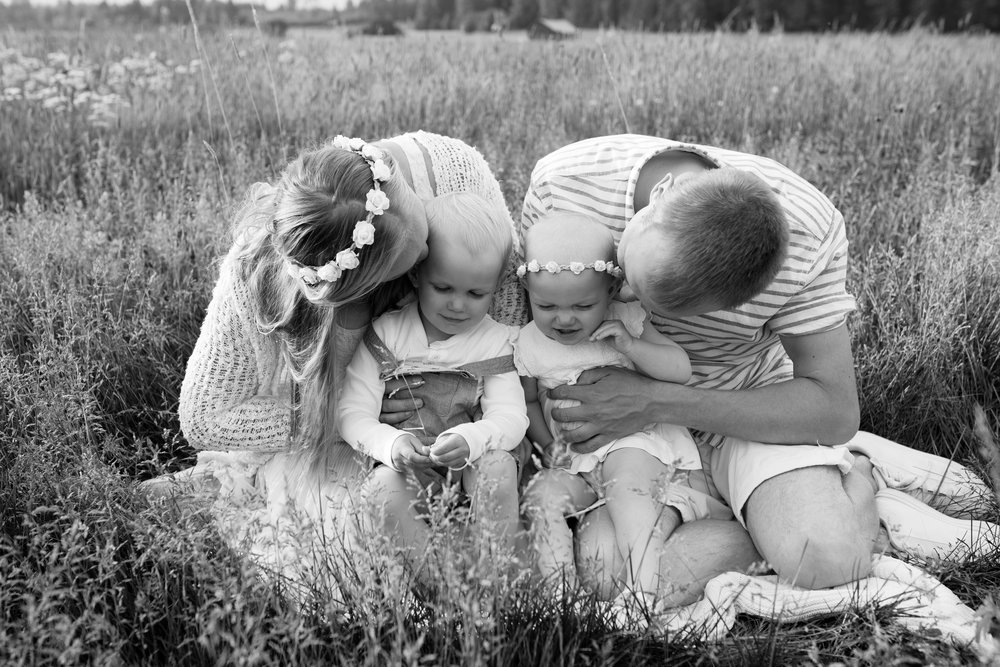 salla s photography valokuvaaja hämeenlinna perhekuvaus lapsikuvaus