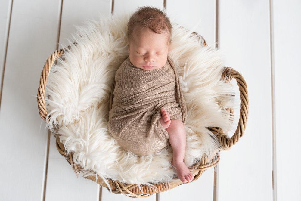 salla s photography vauvakuvaus vastasyntyneenkuvaus newbornkuvaus hämeenlinna hattula valokuvaaja