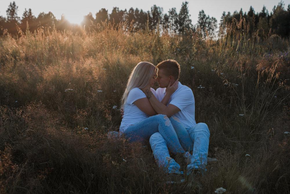 parikuvaus kihlakuvaus kihlakuva häät hääkuvaus perhekuvaus pariskunta hääkuvaaja valokuvaaja hämeenlinna