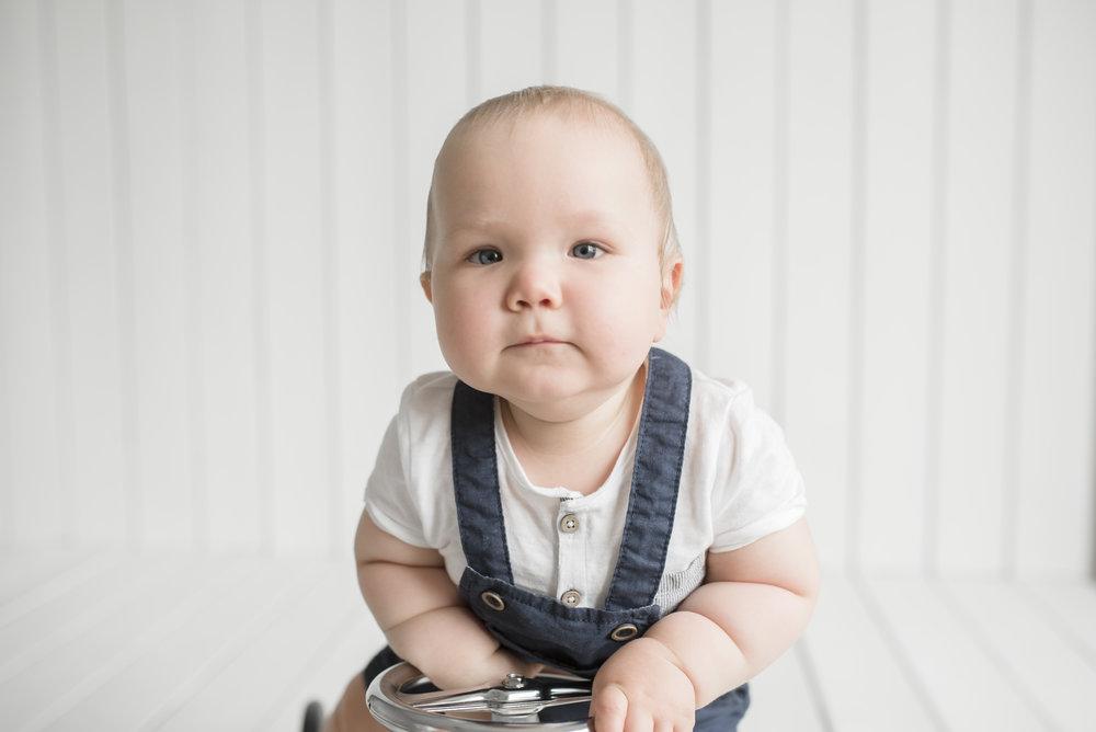 perhekuvaus salla s photography lapsikuvaus hämeenlinna valokuvaaja valokuvaus hattula perhe lapset studiokuvaus