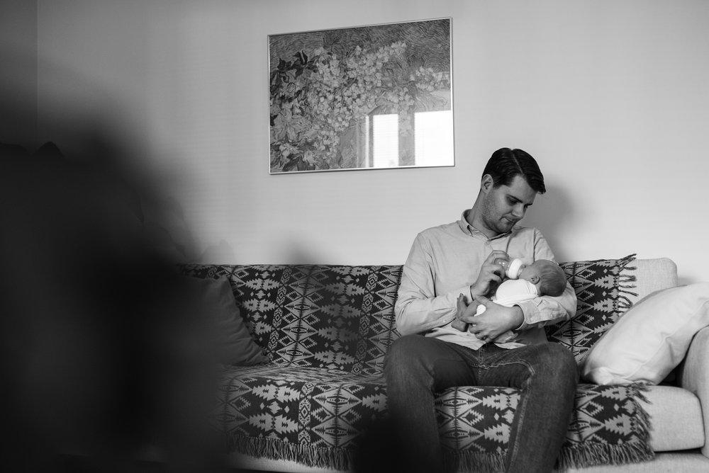 kotikuvaus vastasyntyneenkuvaus vastasyntynyt vauvakuvaus perhekuvaus lifestylekuvaus lifestyle hämeenlinna helsinki vauvakuvaaja valokuvaaja