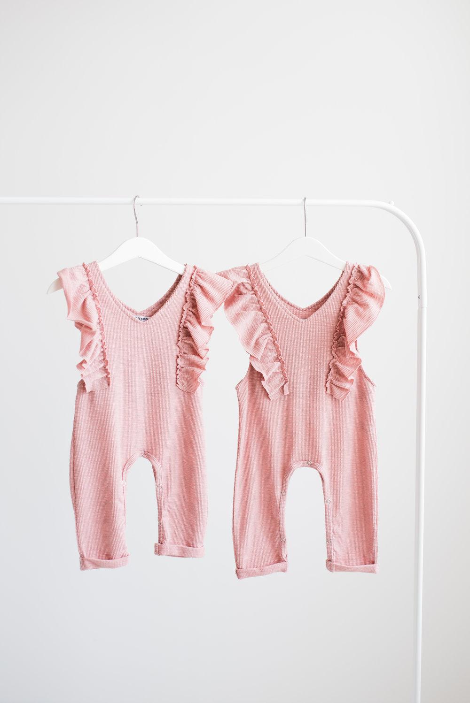 vauvakuvaus yksivuotiskuvaus lapsikuvaus studiokuvaus yksivuotias valokuvaaja hämeenlinna salla s photography
