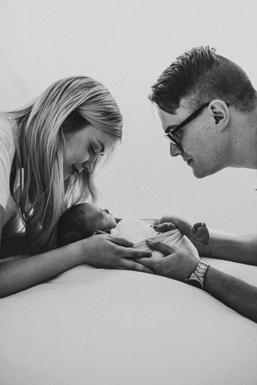 lapsikuvaus vauvakuvaus perhekuvaus vastasyntyneenkuvaus salla s photography