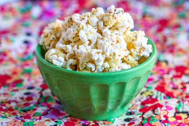 Tasty-Kitchen-Blog-Birthday-Cake-Batter-Popcorn.jpg