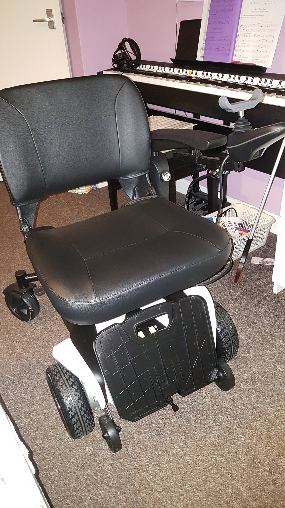 Travelux Venture Powered Wheelchair 1.jpg