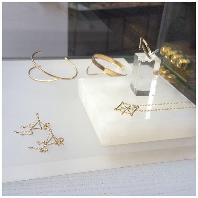 Sitting pretty in the window at Kabiri✨ 🌙 shop now at @kabiri_online . . . . . #astraea #star #stars #gold #lovegold #goldring #ring #rings #goldearrings #earrings #diamondbracelet #diamondnecklace #diamond #diamondring #jewelry #jewelrydesigner #newcollection #design #style #fashion #madeingreece #agiosnikolaos #elounda #crete #greece #london #instastyle #boutique #shopping #kabiri