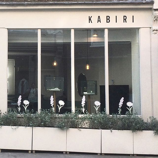"""✨Shop the new fine collection """"Astraea"""" online and in store at new London stockist Kabiri ✨ 🌙 @kabiri_online . . . . . #astraea #star #stars #gold #lovegold #goldring #ring #rings #goldearrings #earrings #diamondbracelet #diamondnecklace #diamond #diamondring #finejewelry #jewelrydesigner #newcollection #design #style #fashion #madeingreece #agiosnikolaos #elounda #crete #greece #london #instastyle #boutique #shopping #kabiri"""