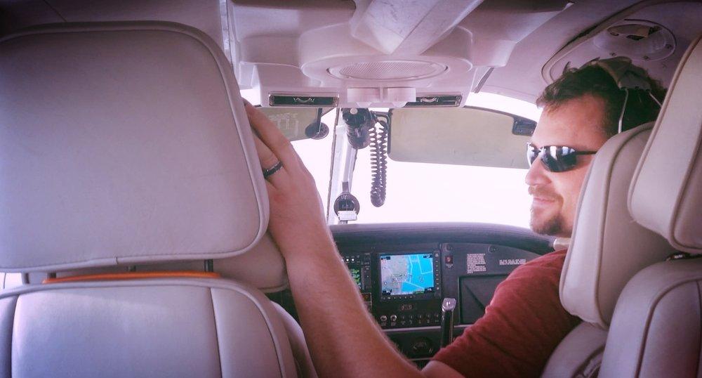 commercial pilot.jpeg