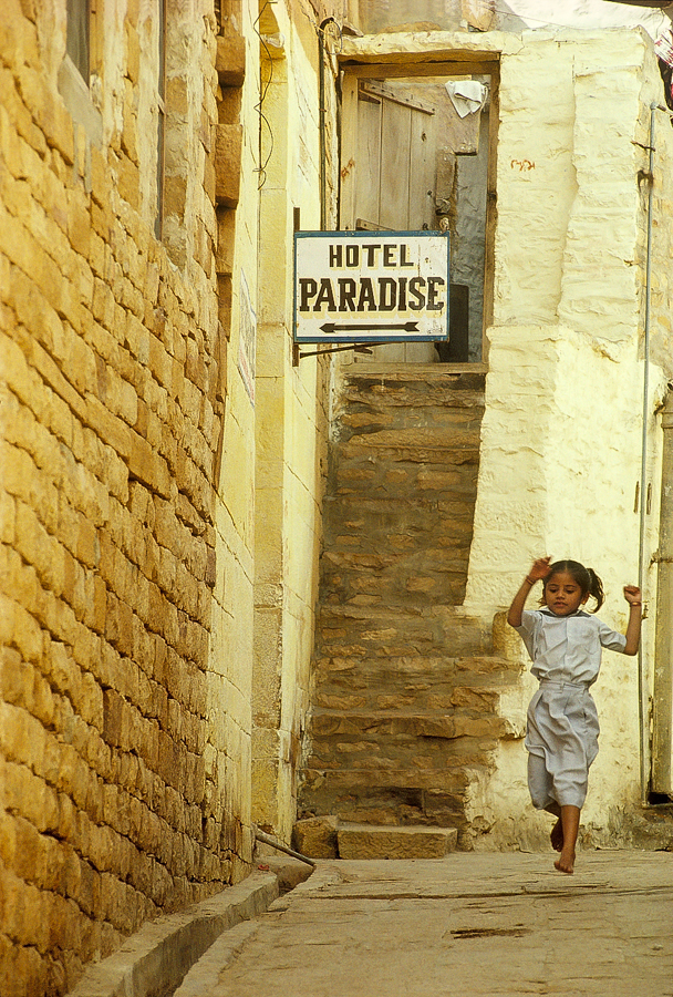 900.135.Hotel Paradise.jpg
