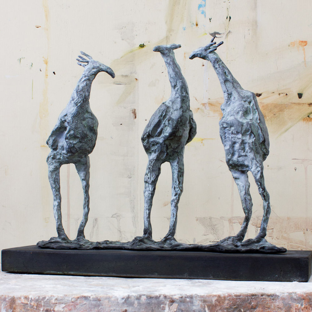Chick Chat (28x34m. Bronze.)