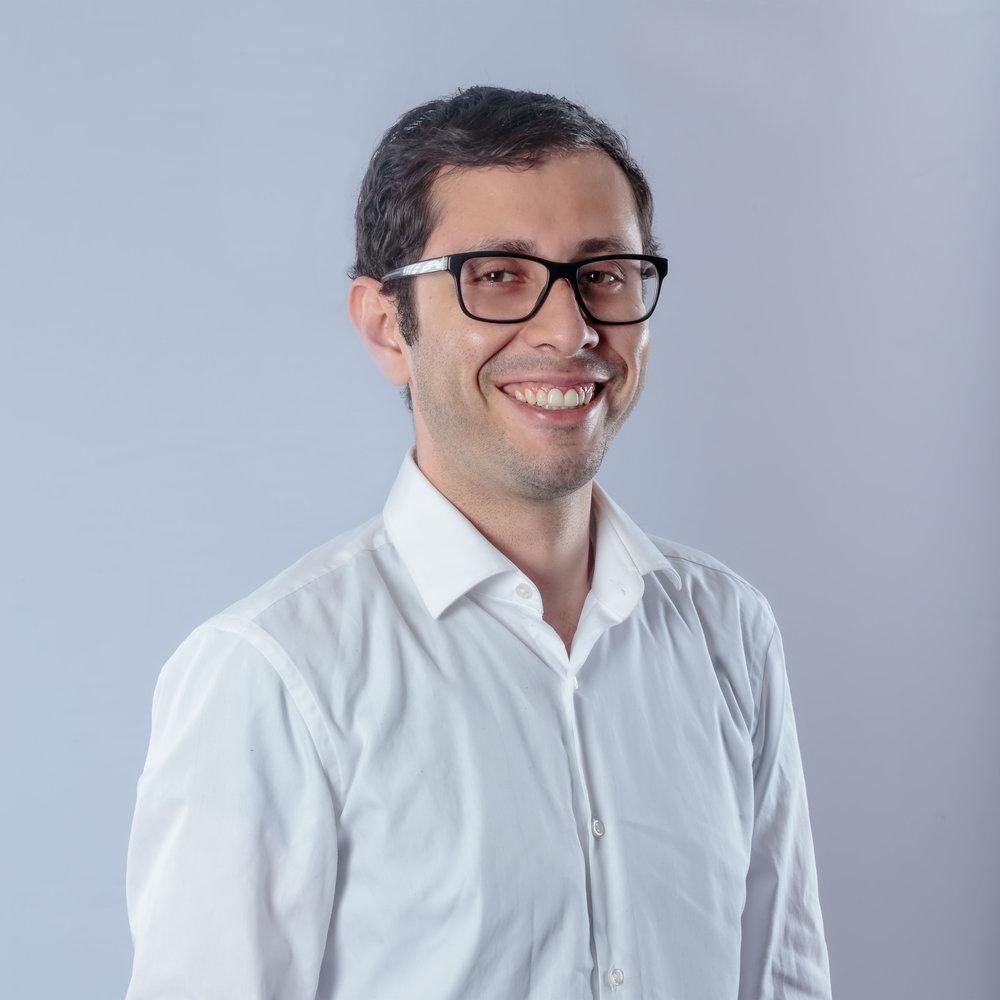 Esteban Santiago   Founder & CEO