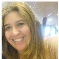 Simone Sousa - Simone Sousa est une professionnelle sérieuse et dédiée qui aime les gens et toutes leurs particularités. Pendant toutes ses années d'enseignement et de travail avec la langue, elle a essayé de s'améliorer et continue de développer ses compétences dans le bût d'offrir toujours un meilleur service. L'univers humain est pour elle ce qu'il y a de plus intéressant dans la vie et est donc sa passion. Simone possède un baccalauréat en langue espagnole et portugaise, ainsi qu'un doctorat dans le domaine de la psycho-didactique. Elle habite dans un petit village près de Bilbao en Espagne et aimerait bien avoir l'occasion de vous appendre sur son travail.