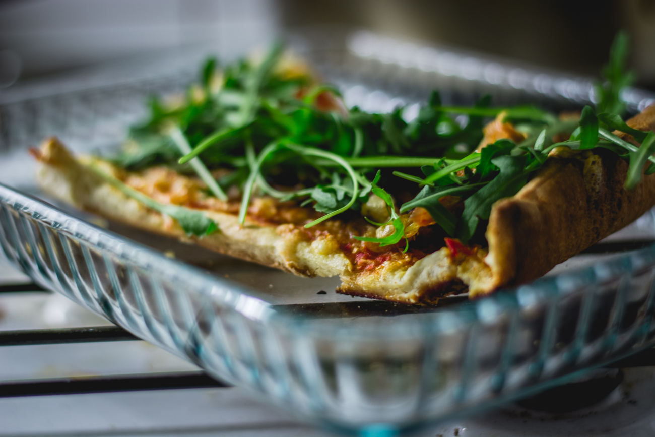 Hemmagjord pizza med valnötter