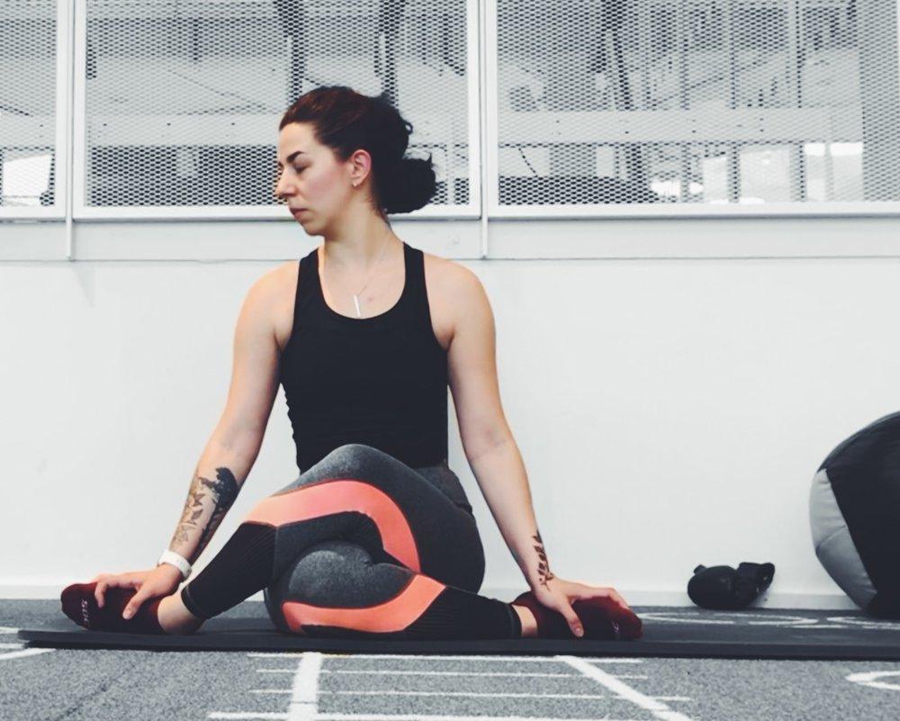 amna-yoga11.jpg
