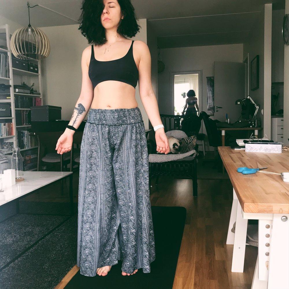 amna-yoga4.jpg
