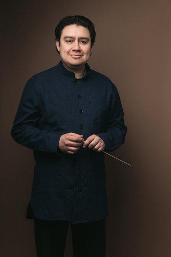 Alejandro Hernandez-Valdez , Artistic Director/conductor