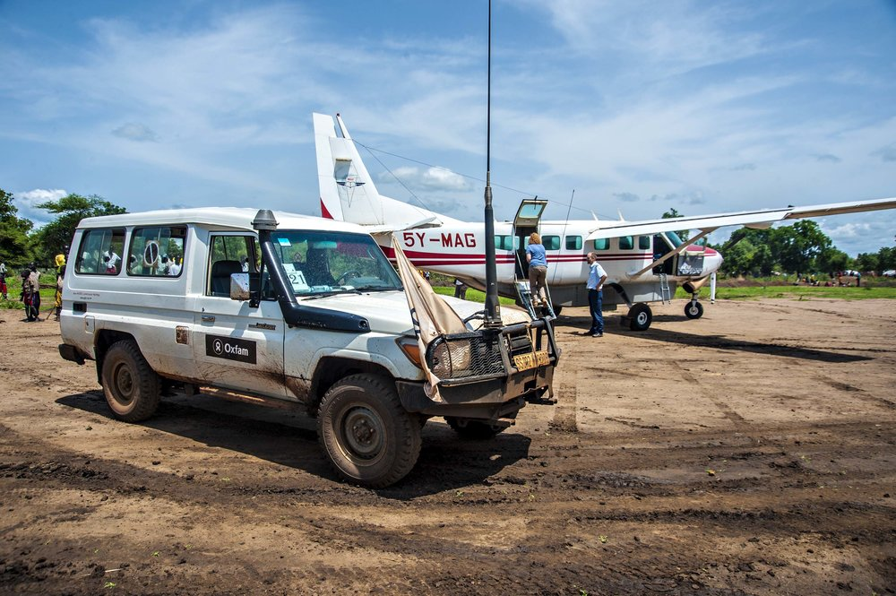 Our Plane finally arrives after days of bad weather, Southern Sudan