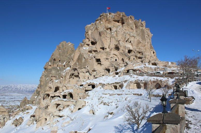 Uçhisar Castle Turkey.jpg