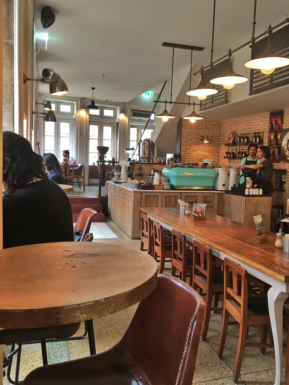 - I loved the vibe of Cafe Progresso. It's beautiful inside, and everything on the menu is fantastic. I worked here pretty much every day that I was in Porto. Their pizza was a real treat, promise.