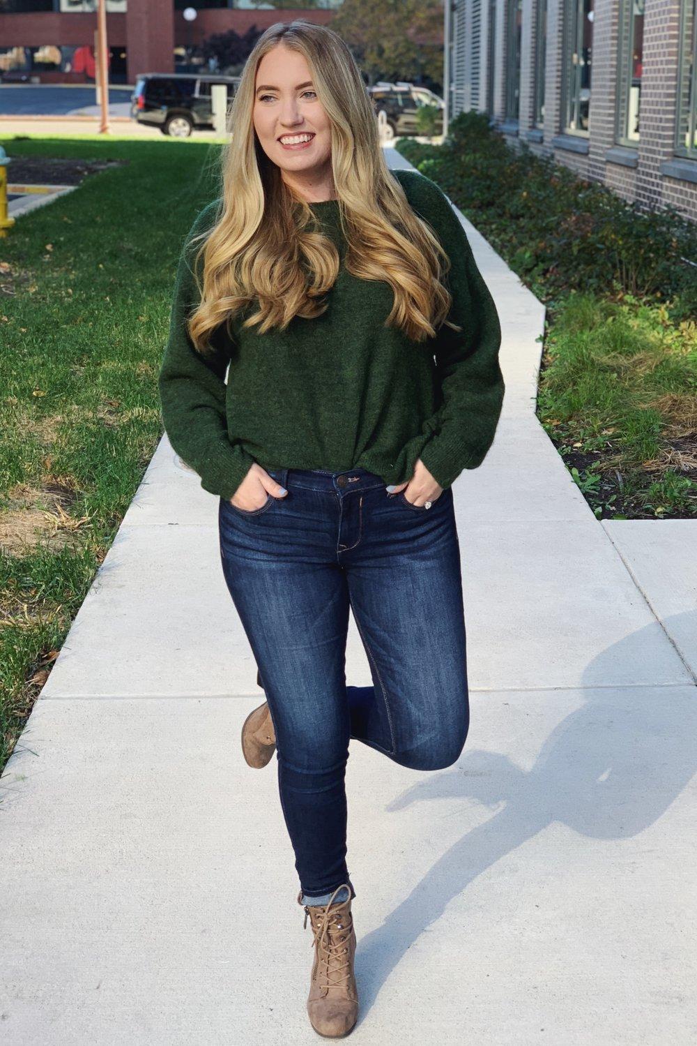 Sweater:  here  / Jeans:  here  / Shoes: ( similar ) ( similar ) ( similar ) ( similar )