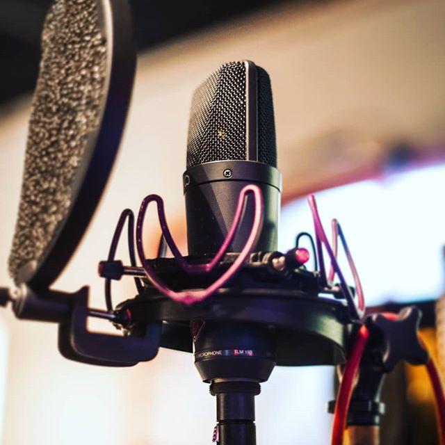 @neumann.berlin #tlm193 ready for vocals. #recordingstudio #recording #recordingengineer #vocals #shockmount #popfilter #nyc