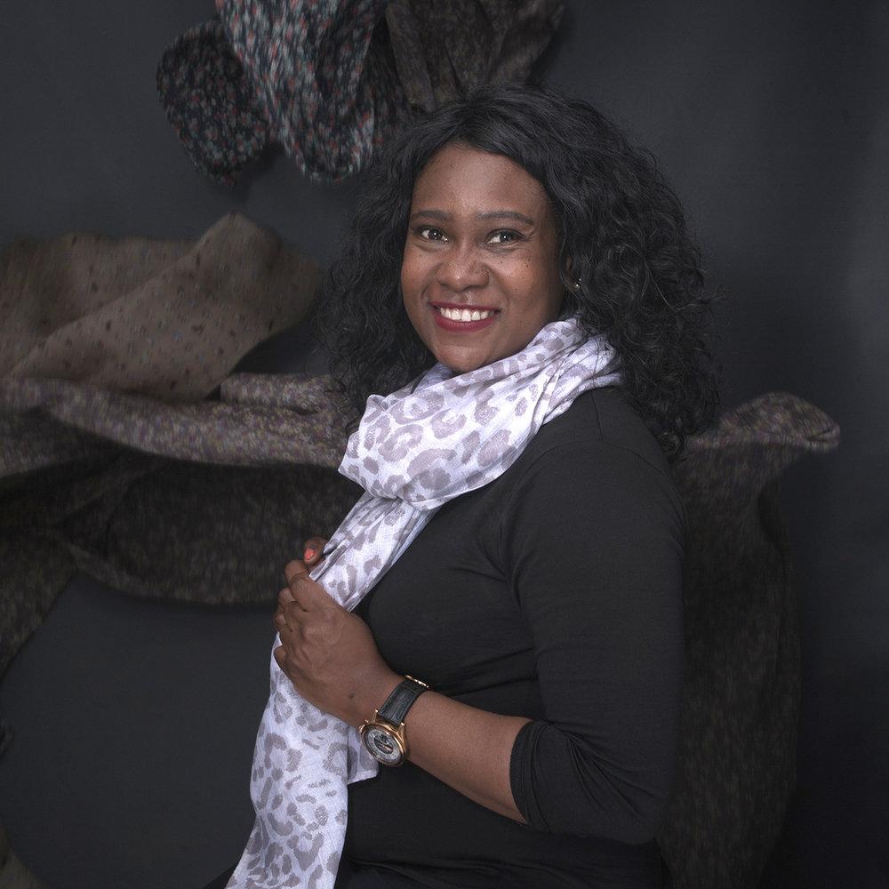 LinkedIn Portraits - © Tinashe Hwindingwi, Red Pangolin Studio - Harare, Zimbabwe - Personal Branding Headshots