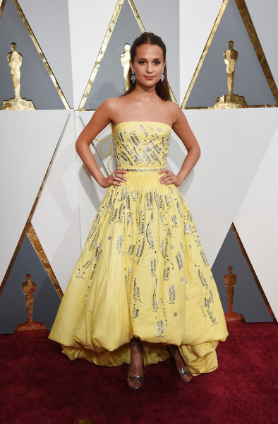 Alicia+Vikander+88th+Annual+Academy+Awards+ElG0XOwL9v6l.jpg