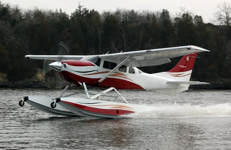 Cessna 206 floatplane.