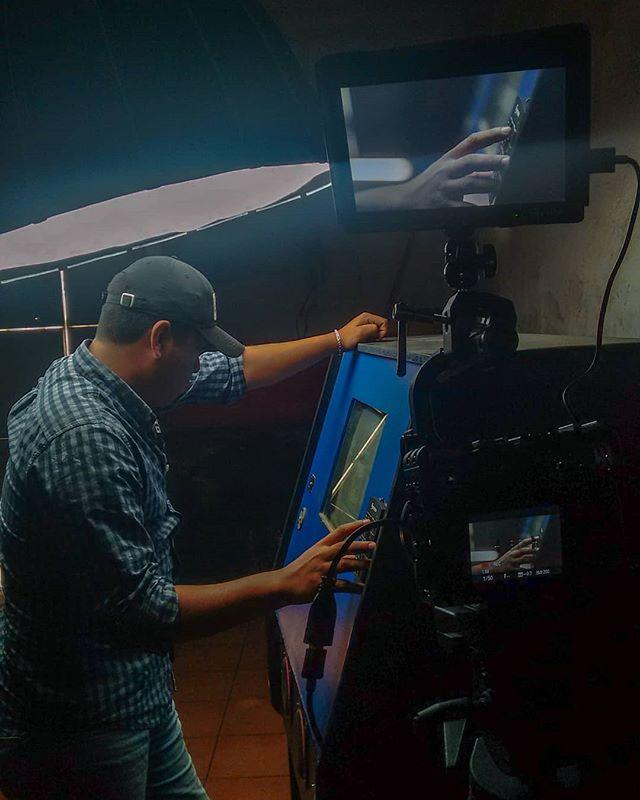 MAL AUGURIO 🎬 . . . . . . . . . . . #shortfilm #malaugurio #filming #rec #makingof #cinemexicano #cineindependiente #independentfilm #film #digital #cortometraje #cinematography #makingof #talent #director #still