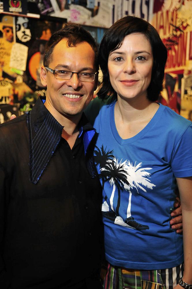 Frank with Fernanda Takai, the Brazilian Singer of Pato Fu. Photo by Sebastian Giunta